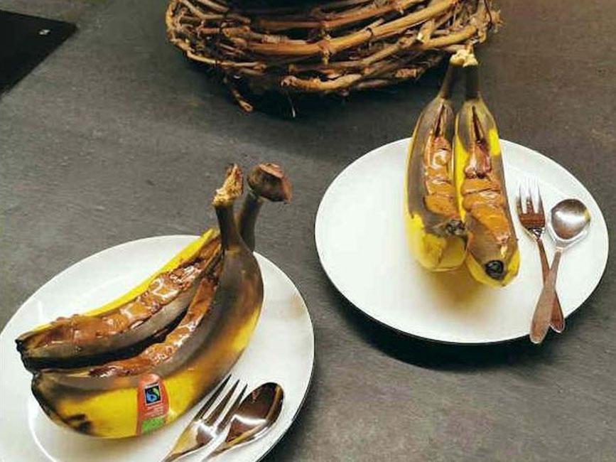 Gegrillte Bananen mit Wiener Nougat